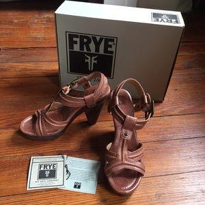 Frye Sage Trapunto Heeled Sandal in Brown